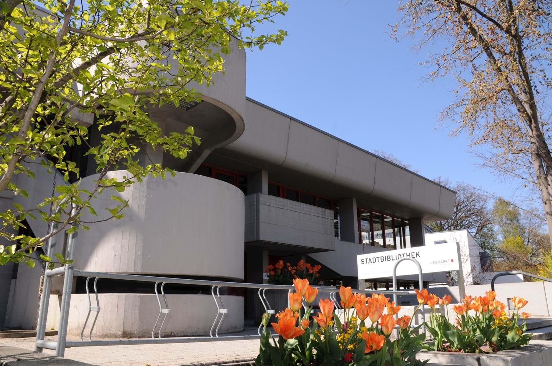 Neumarkt Stadtbibliothek